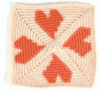knits in France, can be found at www.annette pet- avy.com. Tapestry Crochet Heart Carol Ventura FINISHED