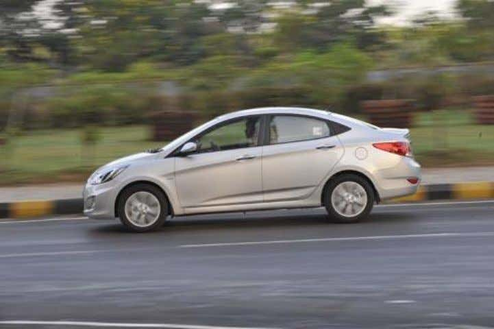 Data Specification Verna Length 4370mm Height 1475mm Wheel base 2570mm Width 1700mm ENGINE