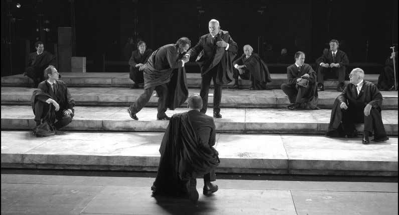 A scene from the Paris production of Julius Caesar, staged by Deborah Warner. Photo: Ramon