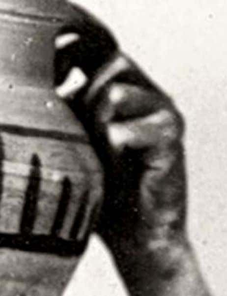 28 Figure 30: Detail of Figure 29, showing pattern across the palm and back of hand.