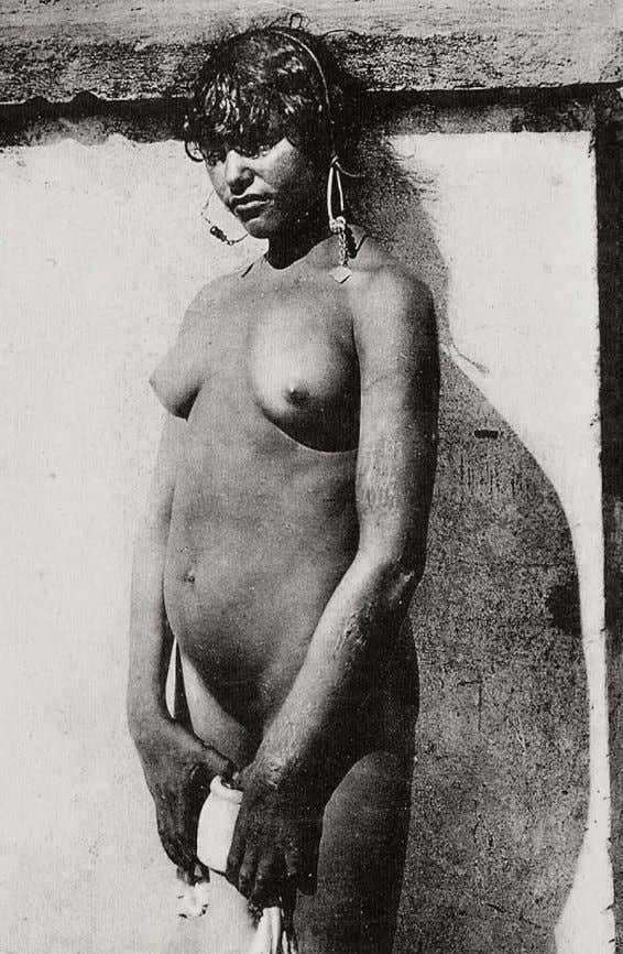 32 Figure 37: Photo Flandrin, Casablanca, 690, En Af rique: Le modele fatique commence a se