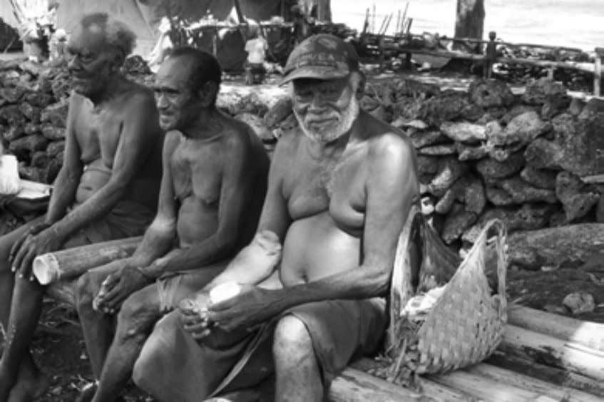 Lihir Custom as an Ethnographic Subject Plate 4-1: Clan leaders at Lambanam hamlet, Lesel village, 2009.