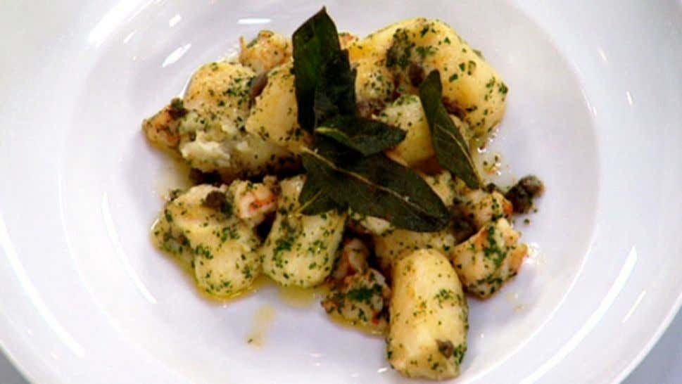 Potato Gnocchi with Sauteed Prawns in a Burnt Butter Sauce Ingredients 1.5kg desiree potatoes 1 x