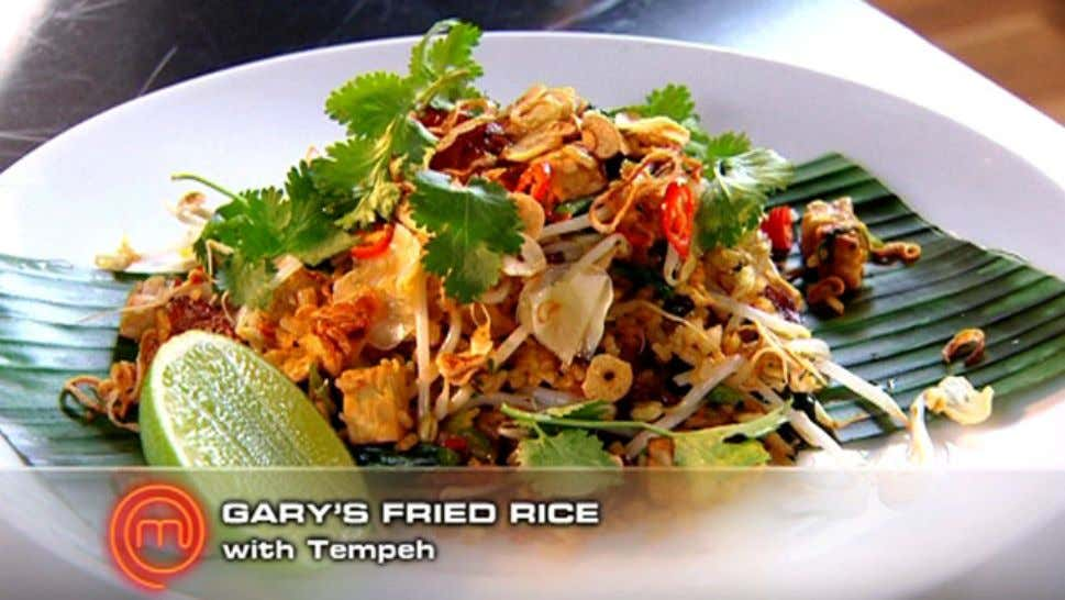 Gary's Fried Rice Ingredients 1 cup broken or long grain rice, rinsed 11/2 cups water Peanut