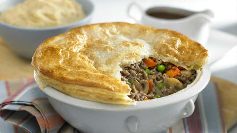Beef, Vegetable and Mushroom Pot Pie with Golden Mash Ingredients 2 tsp oil 750g lean beef