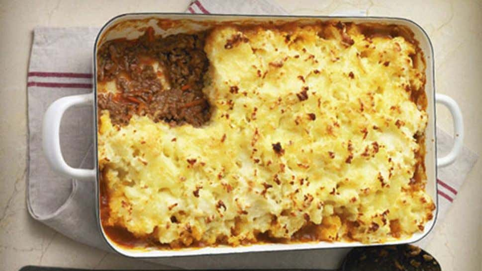 Lamb and Rosemary Potato Pie Ingredients 800g potatoes, peeled and chopped 1 tbsp butter ¼ cup
