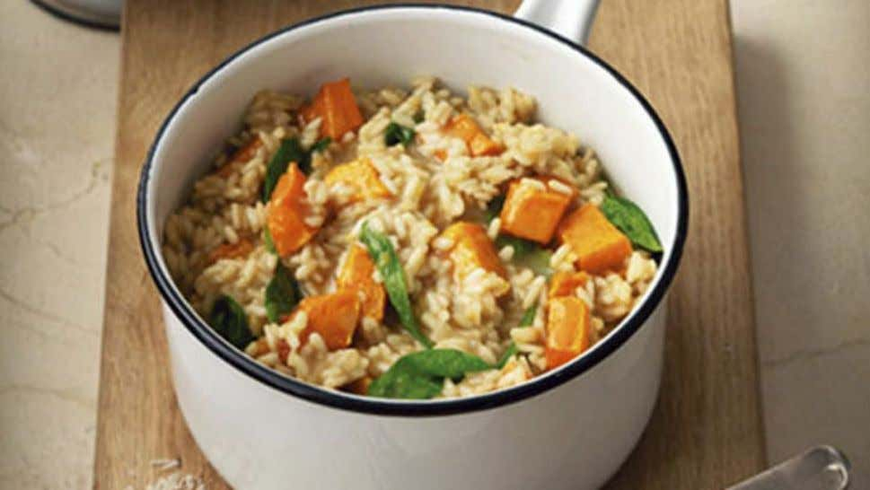 Roasted Pumpkin and Spinach Risotto Ingredients 1.2kg pumpkin, peeled, cut into 2cm dice 2 tbsp oil
