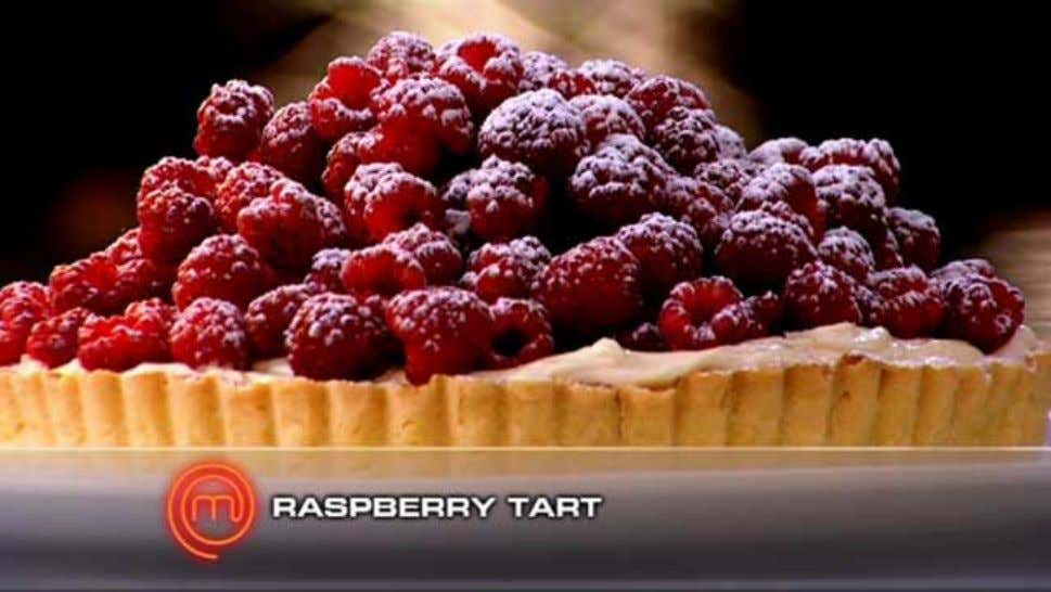 Raspberry Tart Ingredients 450ml thickened cream 1 1/2 teaspoons vanilla bean paste ¼ cup icing sugar,