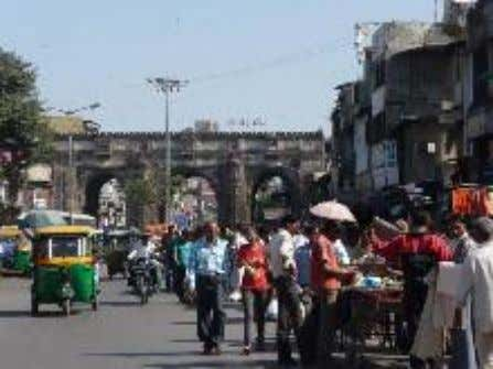 Bhadra is one of the oldest markets in the walled city, with a predominance of Muslim