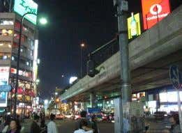 Pictures of Roppongi The Meeting Place R oppongiH ills ( R oppongi H iruzu ? )