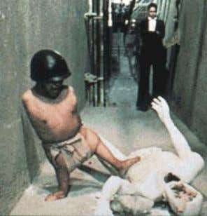 "ALEJANDRO JODOROWSKY Alex Burns The Holy Mountain ""O apocalipse é ago ra! Os americanos sabem disso,"