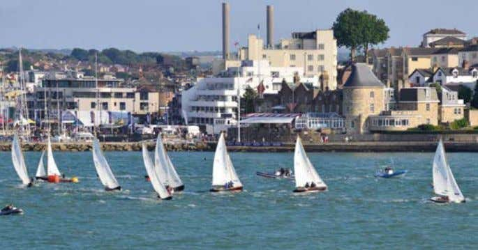 GARY BLAkE CoWES, ioW Victory Class celebrates 80 years After racing at Cowes Week had ended