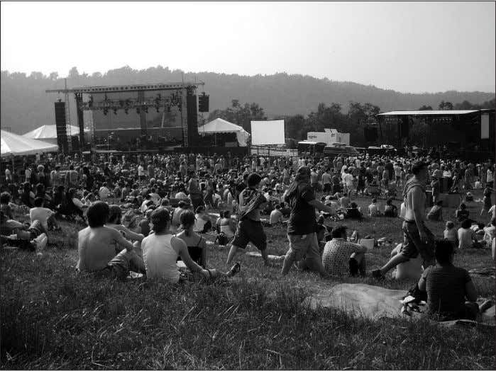 A view of the concert lawn. grooves that sounded far too sweet to be spontaneous.