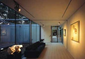the works of art collected by the head of the household. Architekten/Architects: Borren Staalenhoef Architecten,
