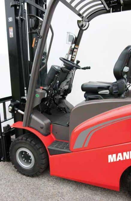 Easy access Across our whole product range, one of Manitou's concerns is the safety and