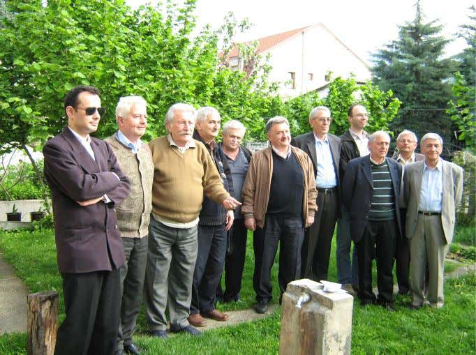 39 40 Macedonian problemists (from left to right): Zoran