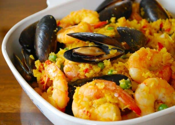 Paella with Cauliflower Rice Nutrition Facts Per Serving 224 calories 5 g total fat 0.5 g