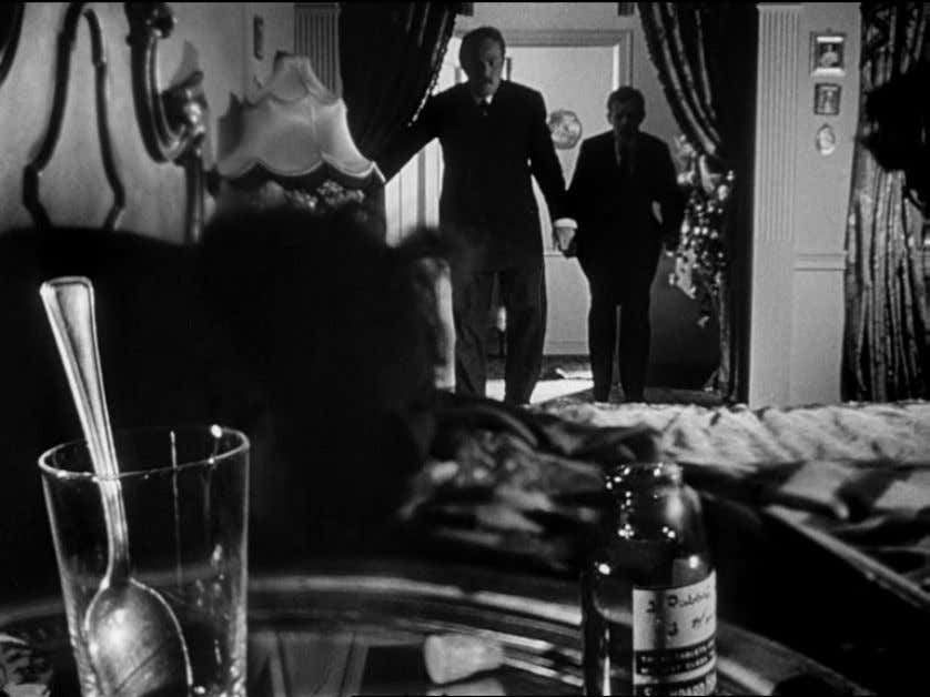 discovering Susan's condition and calls for the doctor. Fig. 1.1 Citizen Kane (1941) Bazin notes that