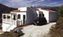 TORROX Ref: 4958 VILLA 143m 2 PRICE: 200,000€ OUR EASTER OFFER: 2 BEDS, GUEST APARTMENT, 2