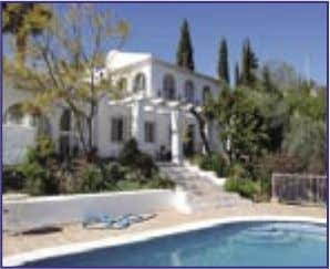 PROPERTY OF THE MONTH Cómpeta 229,000 € Ref. V429 An absolutely lovely country property situated in