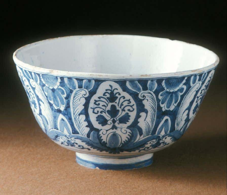 Dutch Tin Glazed Earthenware Delft Punch Bowl c. 1720 - 1750 (Winterthur)