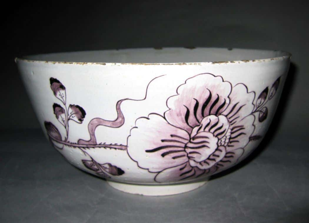 English Tin Glazed Earthenware Punch Bowl c. 1700 - 1750 (Winterthur)