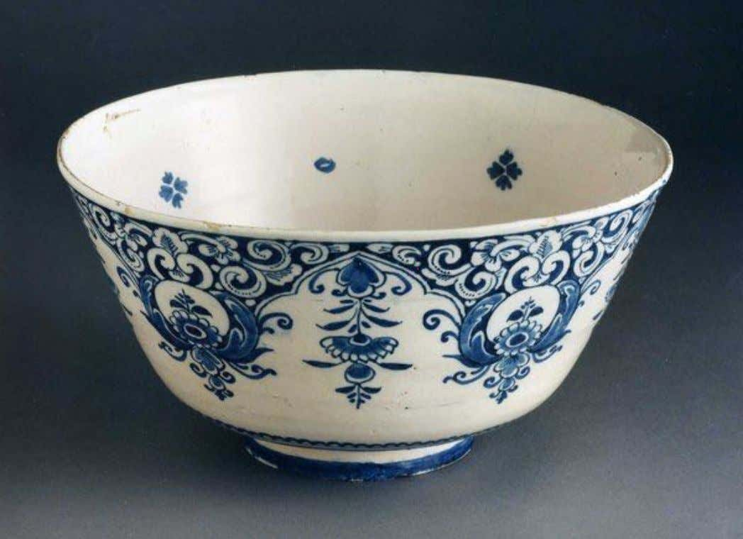 English Tin Glazed Earthenware Delft Punch Bowl Early 18th Century (Private Collection)