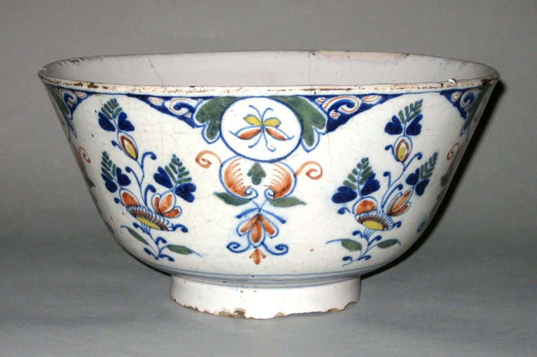 English Tin Glazed Polychrome Earthenware Punch Bowl from London c. 1710 - 1730 (Winterthur)