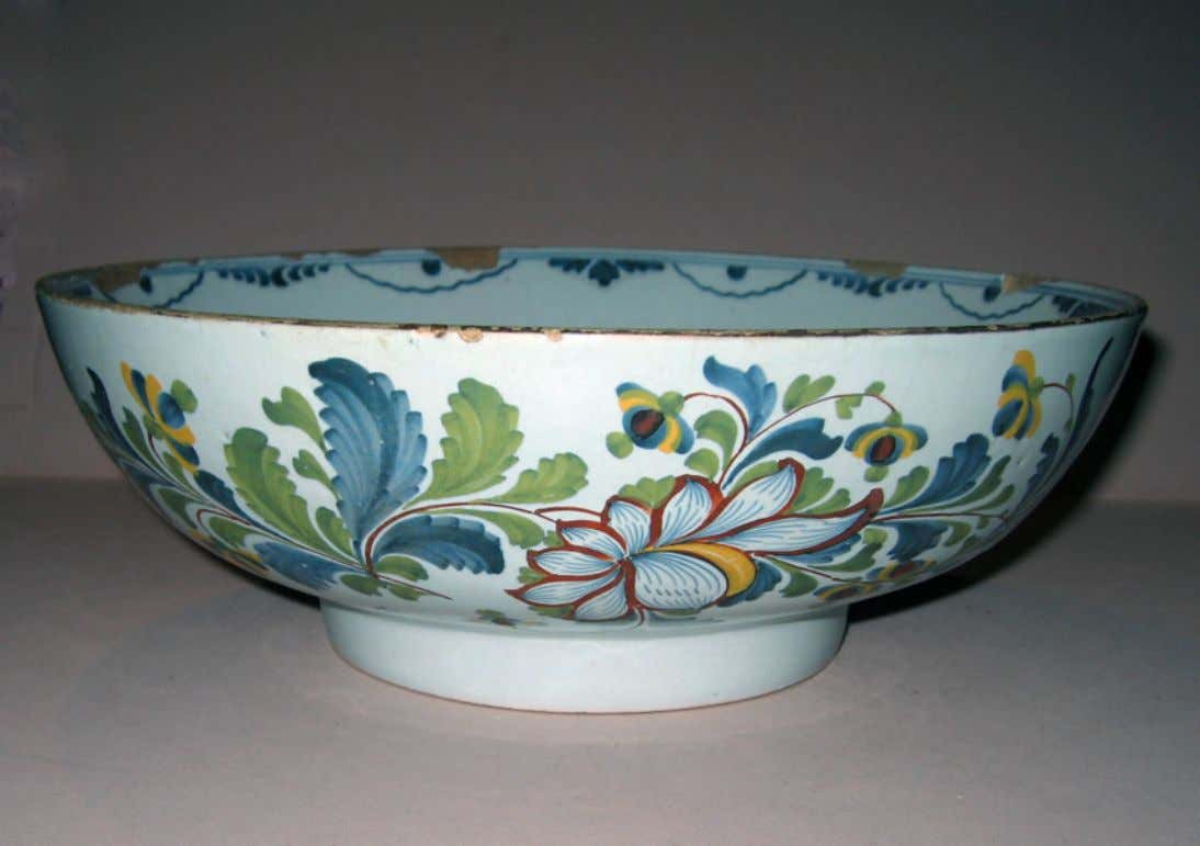 English Tin Glazed Earthenware Punch Bowl from Lambeth c. 1770 - 1790 (Winterthur)