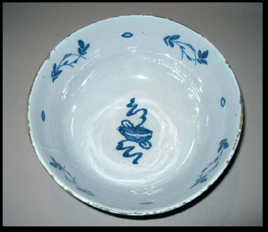 English Tin Glazed Earthenware Punch Bowl from Lambeth c. 1720 - 1740 (Winterthur)