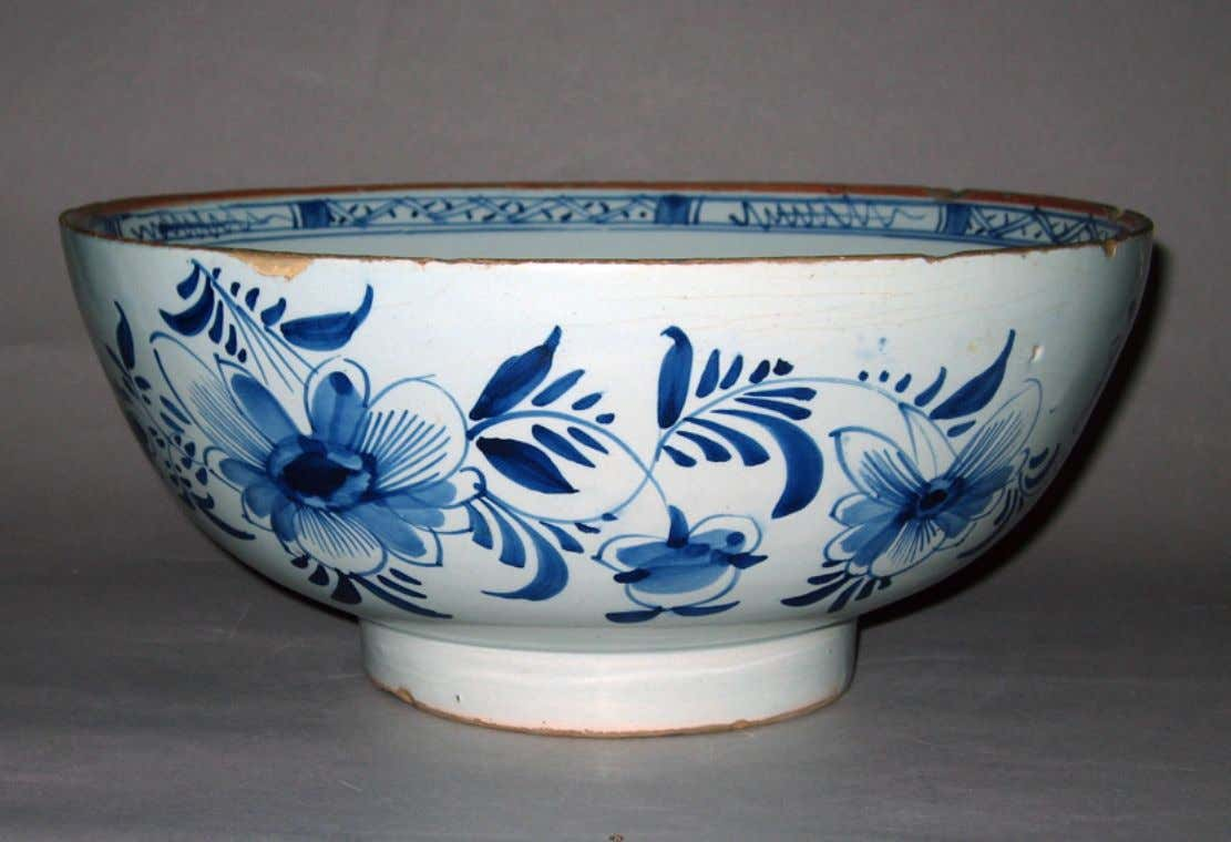 English Tin Glazed Earthenware Punch Bowl c. 1720 - 1750 (Winterthur)