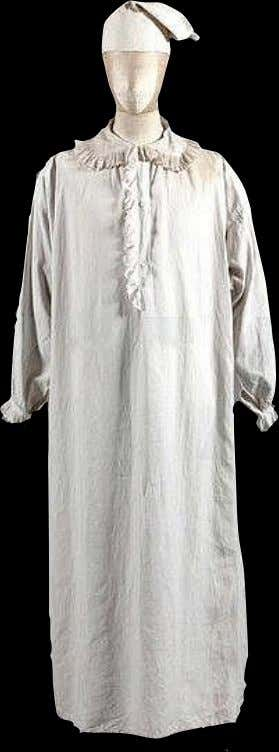 Linen Night Shirt with Dorset Buttons - Cotton Night Cap 18th Century (RIJKS Museum)