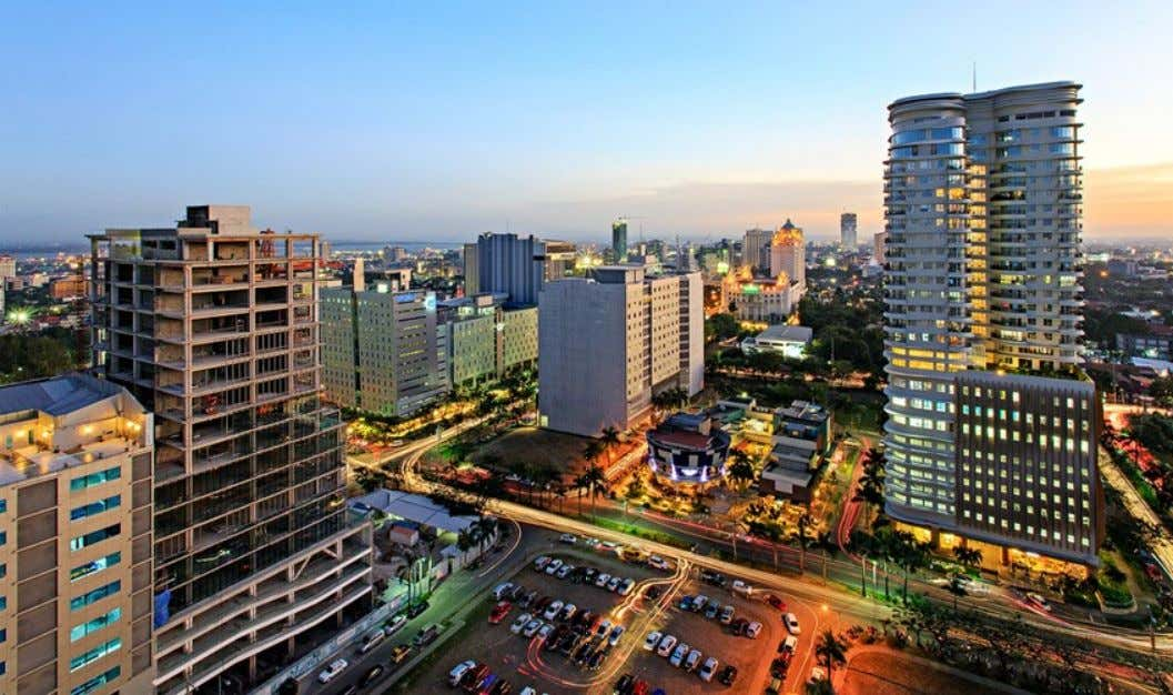 The Cebu Business Park is the district in Cebu that integrates business, high-rise residential, shopping, and