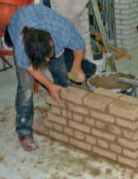 "building with earth Training opportunities in earthen building Vocational training programme ""Specialist in Building with Earth"""