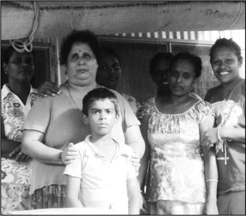www.thejetnewspaper.com LOCAL NEWS www.epapergallery.com Rotarians assist flood victims By RANBEER SINGH Members of the Nadi Ro-