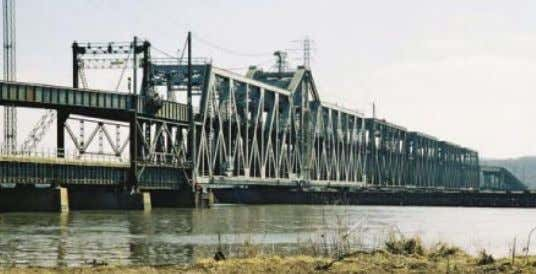 Bridge Inspection Fort Madison Bridge, IA M offatt & Nichol provides bridge inspec- tion services to