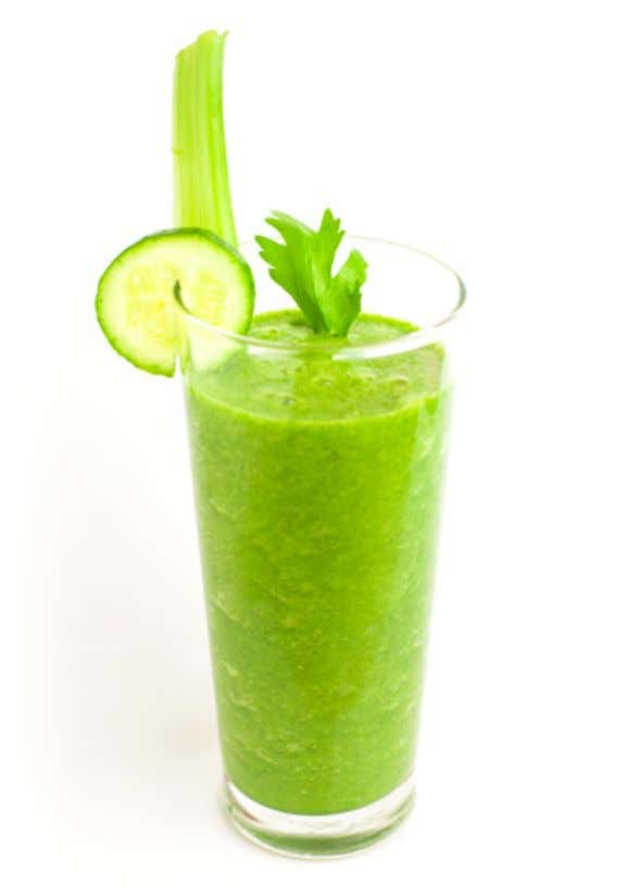 GREEN SMOOTHIE Smoothies are a quick and easy way to get your greens! Don't be