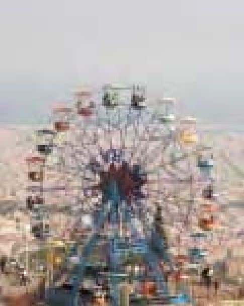 experiences. P.160 TIBIDABO AND PARC DEL COLLSEROLA Font M à gica The lights and music cut