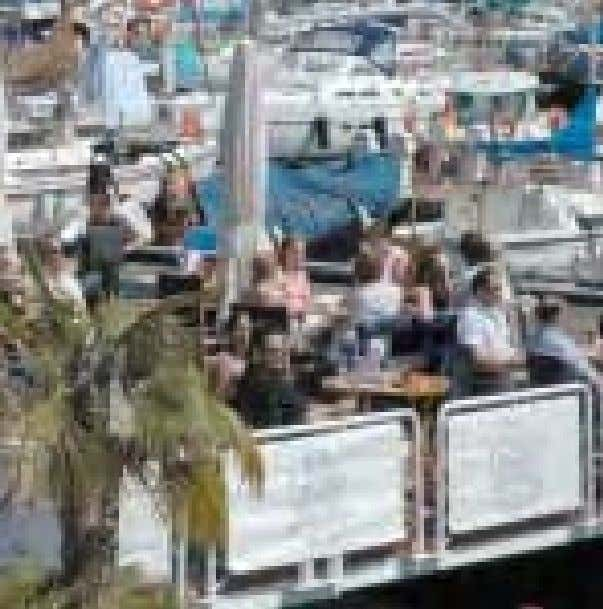 35 Luz de Gas The floating bar (open summer only) is the best vantage-point for the