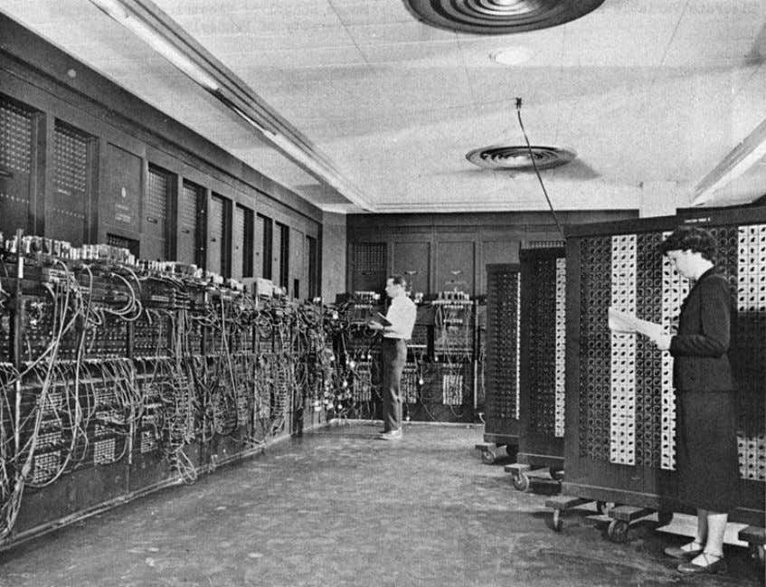 electronic electronic computer computer (1946) (1946) 17,468 vacuum tubes 7,200 crystal diodes 1,500 relays