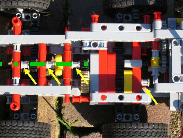 explanation picture, not based on the 8258 Crane Truck Modification Although the 'in-line' mismatch between