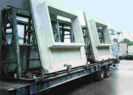 Fig. 4.2 – Wall panels transported by a low trailer Consideration must be given to the