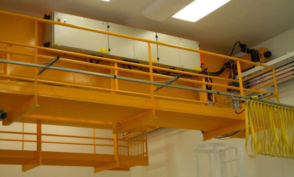 equipment and controls are located directly on the bridge Rev. 04/22/2014 Overhead Crane Safety Lecture -
