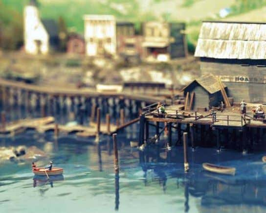 lizzie viCKery Canada Rowing : Peeking : From the series Miniature World 70 : 71