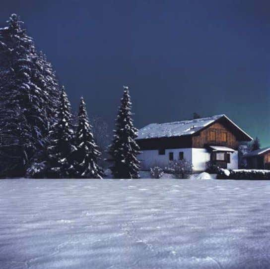 JUliane eirich Porsche : Meiers House : From the series Snownight United states 154 : 155