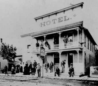 to. The hotel is still listed on the 1911 city census. Top: Commercial Hotel street view