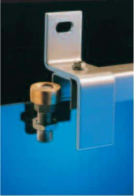 for external fitting of the doors. All dimensions are in mm. Bracket no. 31 Top Guide