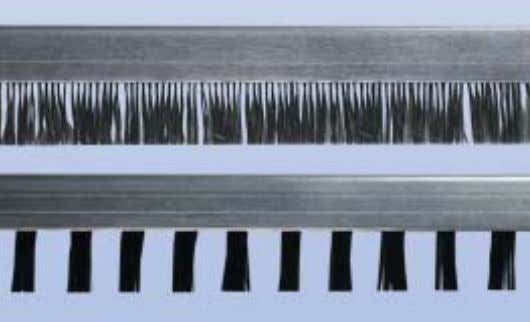 specification, inclusive of gaps and fixing bores. Antistatic Streifenbürsten Antistatic strip brushes
