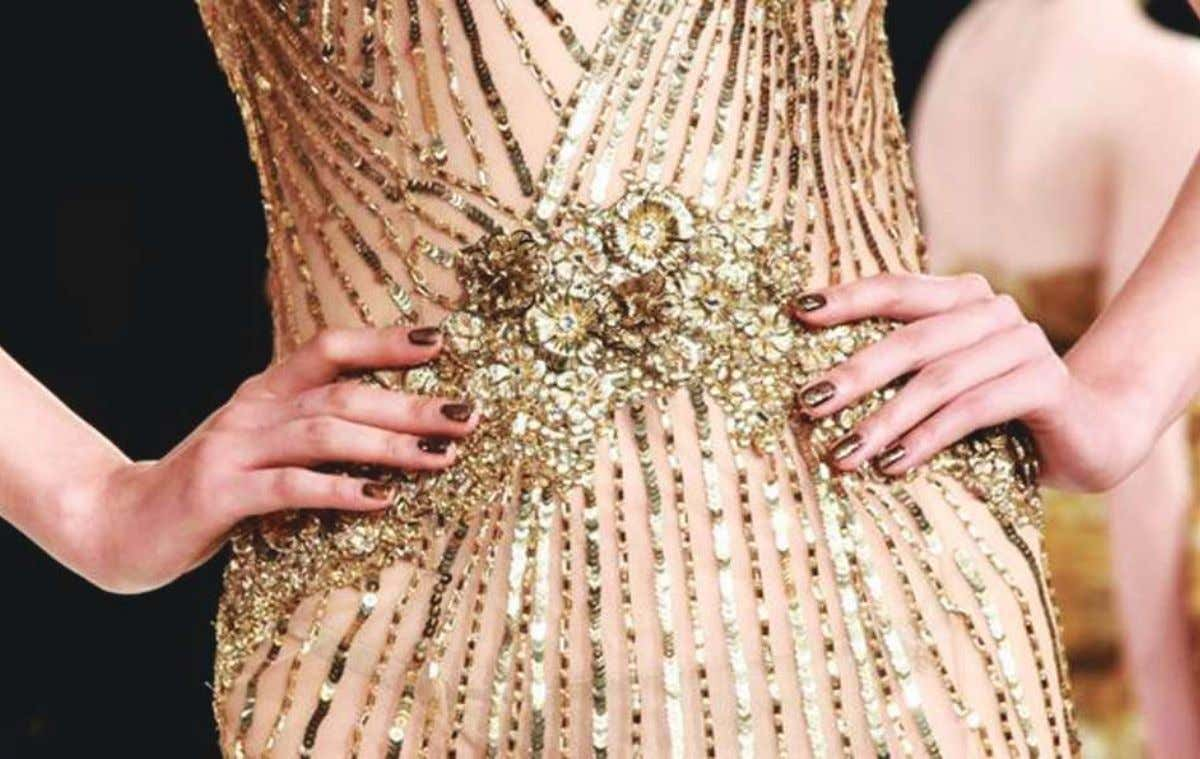 fashion The trends in the fashion world undeniably influence trends in the nail world. Fabrics, patterns,