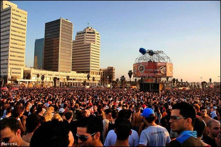 performance fees in the tens or even hundreds of thousands. Figure 13 : Love Parade Tel-Aviv
